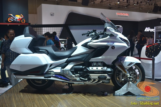 Honda goldwing tahun 2018