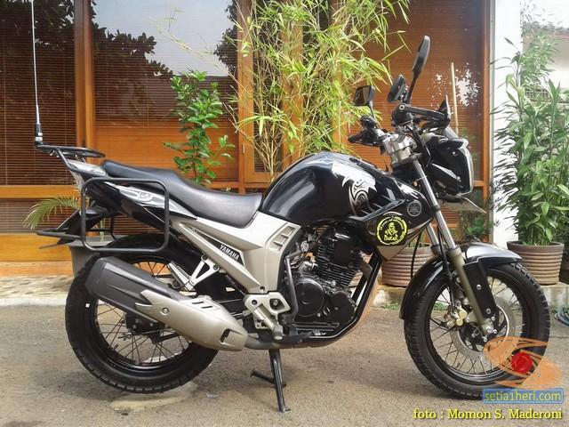 Yamaha Scorpio modifikasi turing yang fungsional dan hi tech brosis