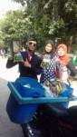 Nunggang Honda Verza, pemuda ganteng jas parlente penjual tahu asal Bogor ini pikat gadis hingga emak-emak gans (10)