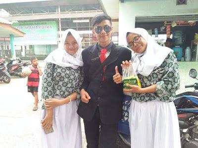 Nunggang Honda Verza, pemuda ganteng jas parlente penjual tahu asal Bogor ini pikat gadis hingga emak-emak gans