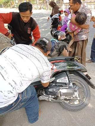 Hampir celaka, waspada pakai fitur idling stop saat naik motor bersama anak kecil