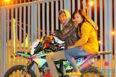 Kumpulan foto biker prewedding dan romantisme pasangan diatas motor trail brosis (17)