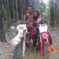 Kumpulan foto biker prewedding dan romantisme pasangan diatas motor trail brosis (18)