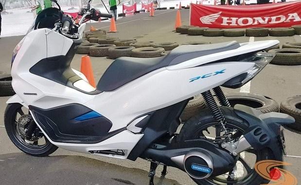 AHM luncurkan Honda PCX Electric tahun 2019 brosis