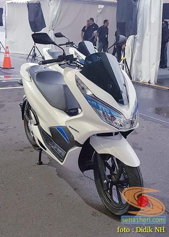AHM luncurkan Honda PCX Electric tahun 2019 brosis (5)