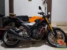 Kumpulan foto modifikasi sepeda motor salah pergaulan ...eh swap engine maksudnya brosis.. (1)