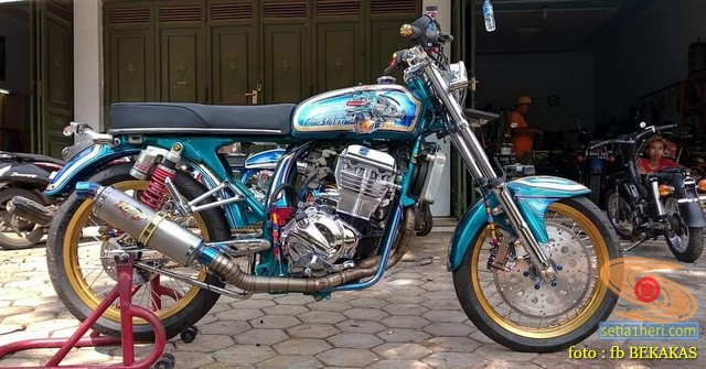 Kumpulan foto modifikasi sepeda motor salah pergaulan ...eh swap engine maksudnya brosis...hehehe