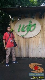 Main angklung di Saung Mang Udjo di Bandung 2019 (1)