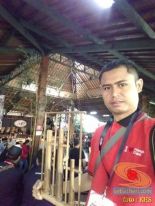 Main angklung di Saung Mang Udjo di Bandung 2019 (6)