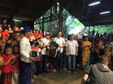 Marc Marquez menikmati alunan Angklung di Bandung brosis...bahkan sampai joget riang gembira