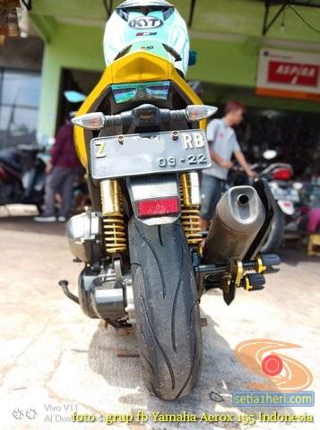 Cara memotong spatbor belakang motor Yamaha Aerox agar rapi dan halus brosis (5)
