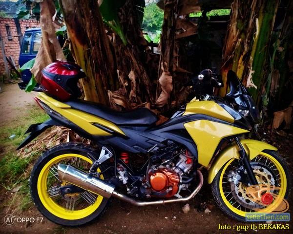 Kumpulan gambar modifikasi sepeda motor pakai piringan cakram besar brosis