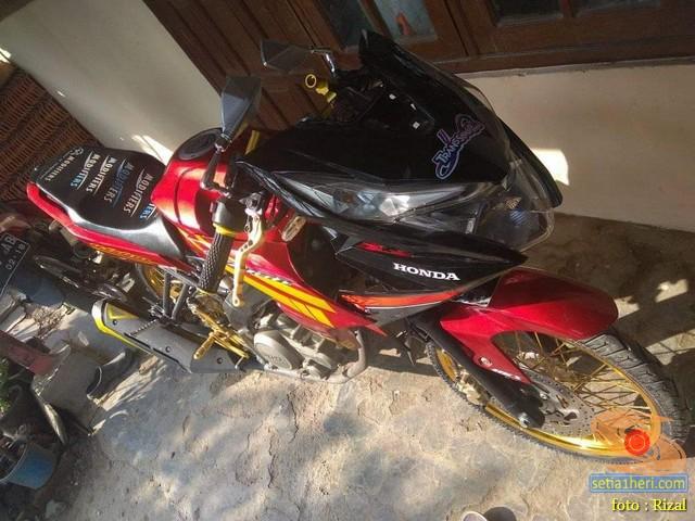 Modifikasi Yamaha Vixion pakai batok Honda BeAT