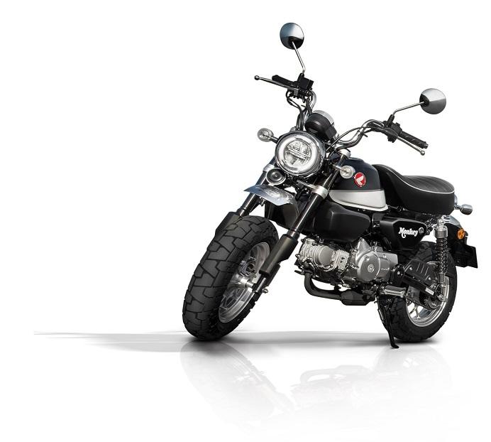 3 pilihan warna Honda Monkey - Pearl Shining Black