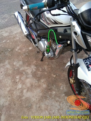 Kumpulan gambar Modifikasi tabung reservoir coolant pada sepeda motor pakai botol parfum gans.. (22)