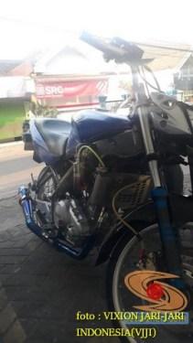 Kumpulan gambar Modifikasi tabung reservoir coolant pada sepeda motor pakai botol parfum gans.. (3)