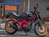 Foto-foto modifikasi velg repaint pada Honda CB150R Streetfire tahun 2019 (3)