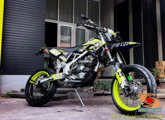Foto modifikasi supermoto cutting stiker warna kuning brosis