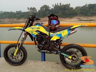 Foto modifikasi supermoto decal warna kuning brosis