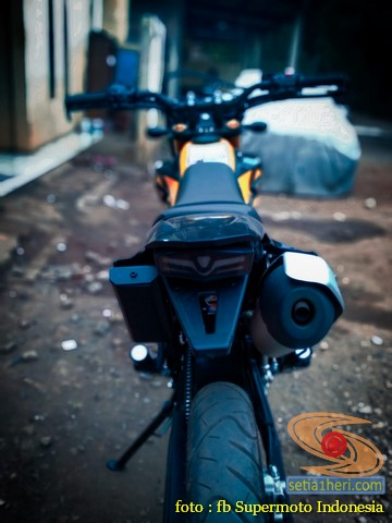 Kumpulan foto bokong motor supermoto…montok abiss gans.. (14)