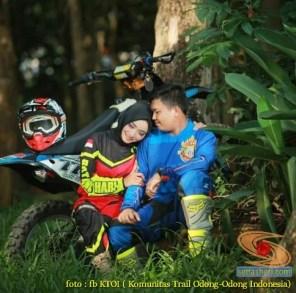 Kumpulan foto romantisme anak motor trail maupun prewedding biker (12)