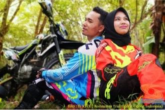 Kumpulan foto romantisme anak motor trail maupun prewedding biker (56)