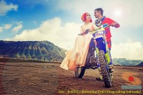 Kumpulan foto romantisme anak motor trail maupun prewedding biker (8)