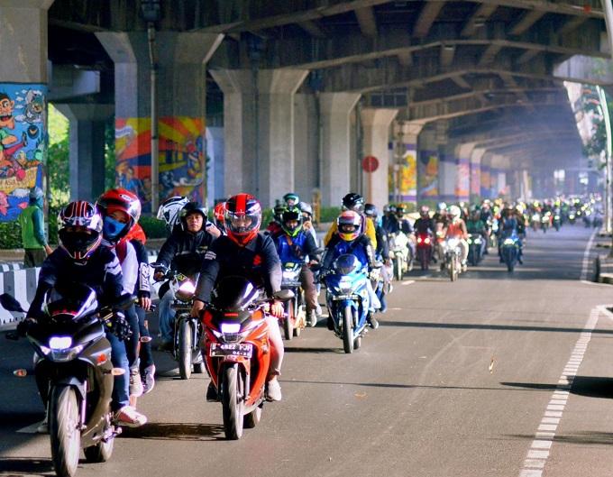 Ribuan Riders Suzuki di Jakarta Ramaikan Sunmori