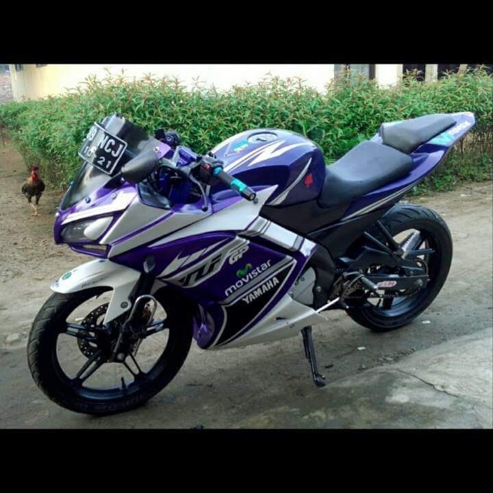 Modifikasi Yamaha Vixion pakai baju Yamaha R25 (1)