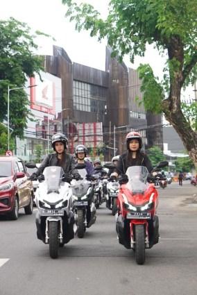 lady biker Honda ADV150 city rolling keliling Kota Surabaya tahun 2019 (5)