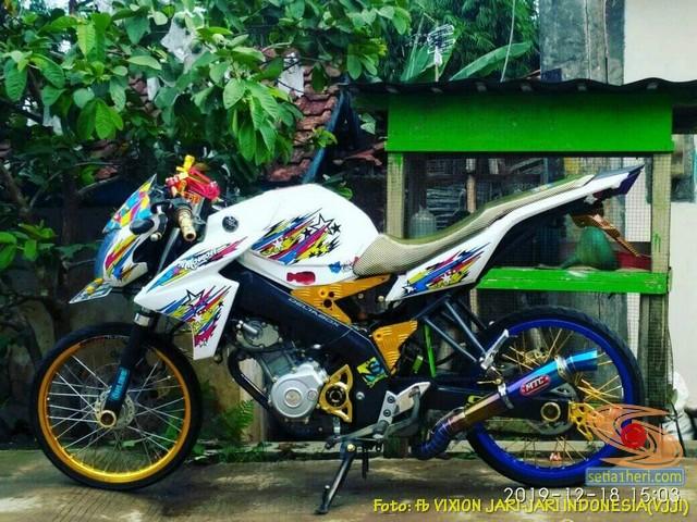 Kumpulan Gambar Modifikasi Yamaha Vixion Jari Jari Warna Putih Brosis Setia1heri Com