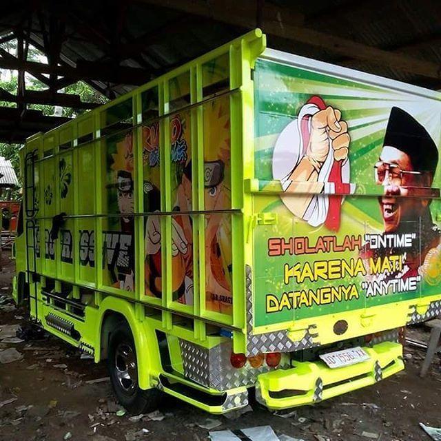 gambar lukisan tokoh dan kata inspiratif pada bokong truk Indonesia (5)