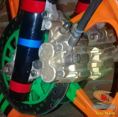 Buat cover shock depan Honda Supra X 125 dari pipa paralon brosis