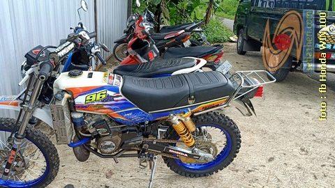 Foto- Foto modifikasi motor Honda Win jadi motor trail tahun 2020 (17)