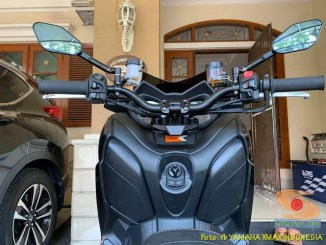 Ganti stang Yamaha XMAX dengan stang fatbar atau stang jepit brosis