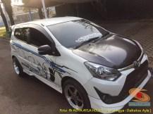Kumpulan foto modifikasi cutting sticker mobil Agya dan Ayla tahun 2020 (5)