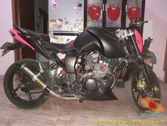 MegaSon, Modifikasi Honda New Megapro pakai tangki BBM punya Yamaha Byson (4)