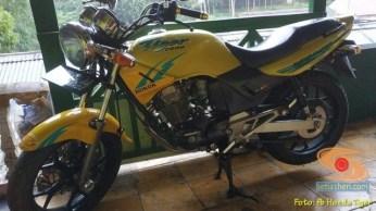 Kumpulan foto nostalgia Honda Tiger 2000 warna kuning brosis.. (17)