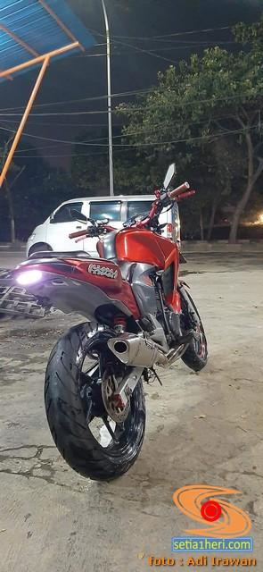 Modifikasi street fighter Honda New Megapro, pakai headlamp CB150R brosis...