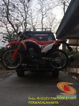 Ragam cara bawa sepeda motor dibelakang mobil, monggo diintips brosis.. (6)