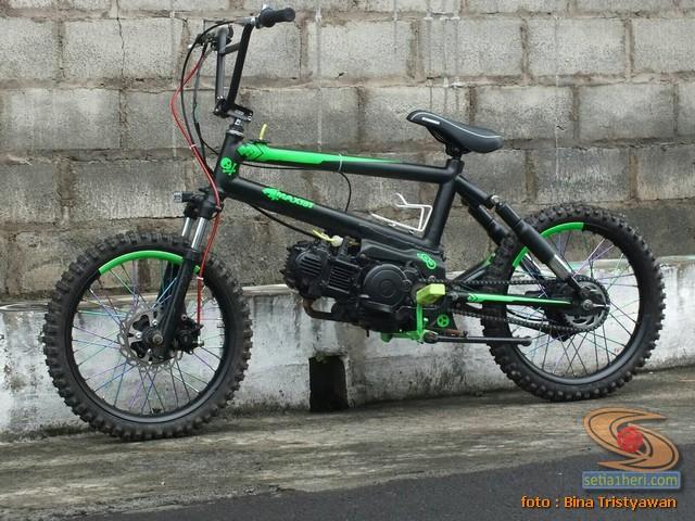 BMX Moto, Modifikasi mini trail odong-odong rangka BMX mesin Yamaha Crypton asal Malang Jawa Timur (1)