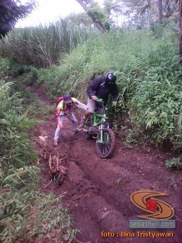 BMX Moto, Modifikasi mini trail odong-odong rangka BMX mesin Yamaha Crypton asal Malang Jawa Timur (5)