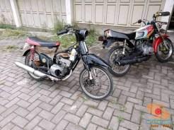 Modifikasi Yamaha RX King berubah jadi motor bebek retro klasik atau swap engine (7)