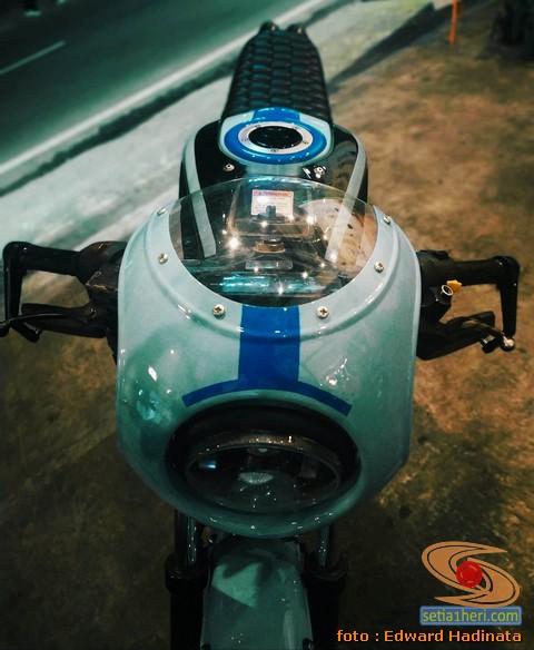 Modifikasi GSX-R 150 menjadi caferacer klasik, kerenn abis brosis...