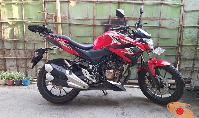 Honda CB150R ganti Baju NCB facelift dan knalpot CBR250RR