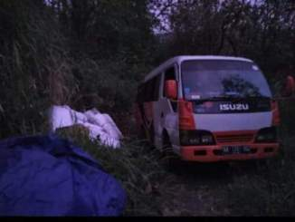 Kena prank demit alas roban, mobil travel ini tersesat di hutan desa tahun 2020 (2)