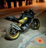 Modifikasi velg warna emas pada Kawasaki Bajaj Pulsar 200 NS (8)