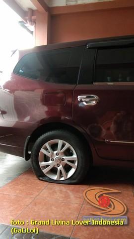 Testimoni Nissan Grand Livina selama 10 tahun, nyaman sampai ban bocor gak terasa gans.. (1)
