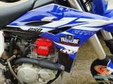 Modif Yamaha Scorpio jadi supermoto dengan bodi YZ250F (2)