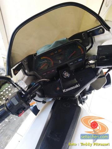 Penampakan motor sport turing lawas Kawasaki Binter AR125 asal jogjakarta (7)